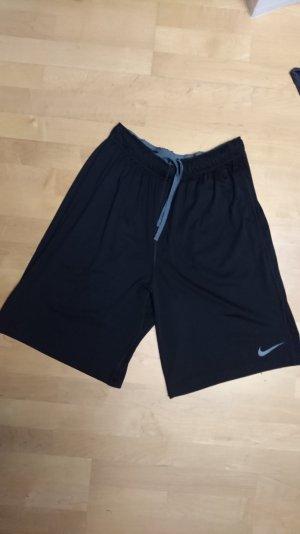 Nike Fußball/Basketball Shorts