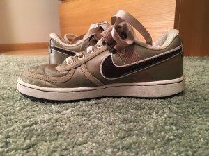 Nike Girl Sneaker, Gr 37