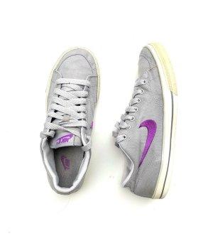 Nike Gr. 39 Capri grau lila Stoff Sneaker