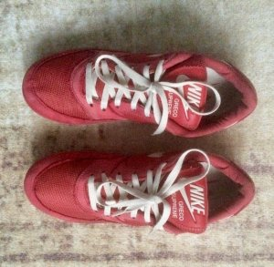 Nike Lace-Up Sneaker red-white leather