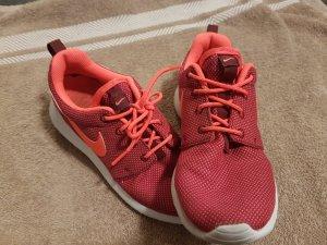 Nike Sneakers magenta