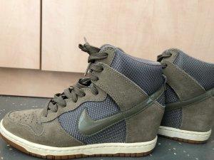 Nike Heels High Top Sneaker