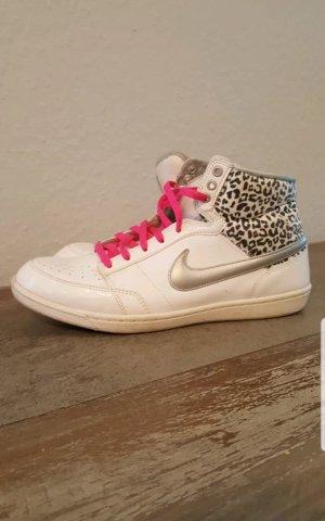 Nike High Top Leo