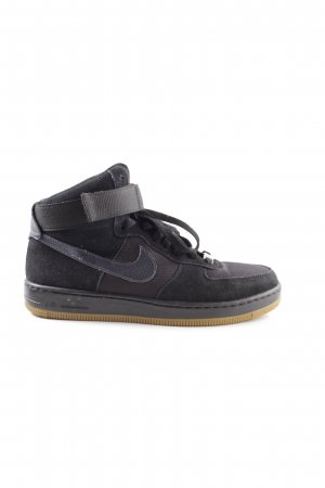 Nike Zapatillas altas negro look casual