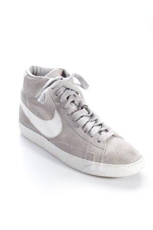 Nike High Top Sneaker grau-weiß Logo-Applikation