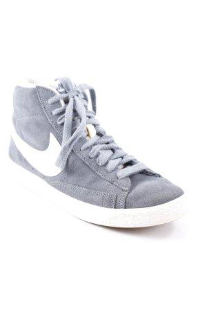 Nike High Top Sneaker graublau-weiß Boyfriend-Look