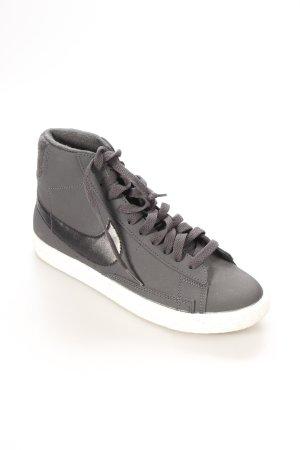 Nike High Top Sneaker mehrfarbig Skater-Look