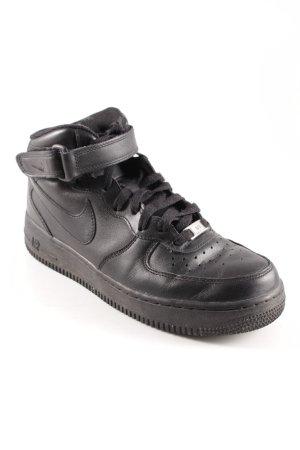 Nike High Top Sneaker schwarz sportlicher Stil