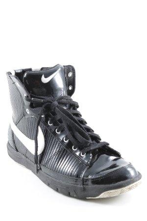 Nike High Top Sneaker schwarz-weiß Lack-Optik