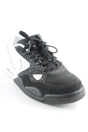 Nike High Top Sneaker schwarz-weiß Mustermix sportlicher Stil