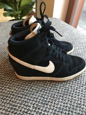Nike Zapatilla tipo cuña negro-blanco