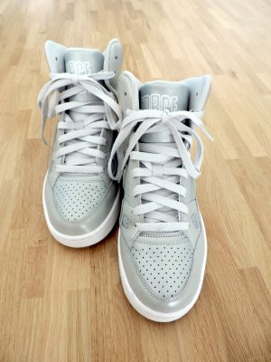 Nike High Top Turnschuhe