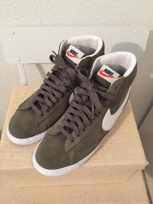 Nike Hightop Sneaker Wildleder