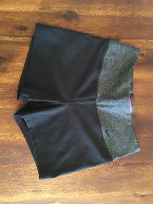 Nike Hotpants Neu
