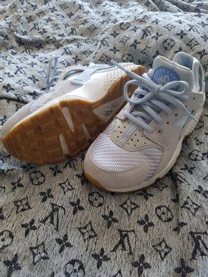Nike Huarache 36