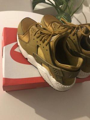 Nike Huarache Gold 40.5