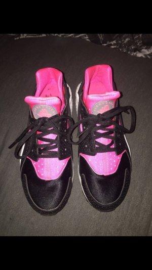 Nike Huarache Größe 38,5