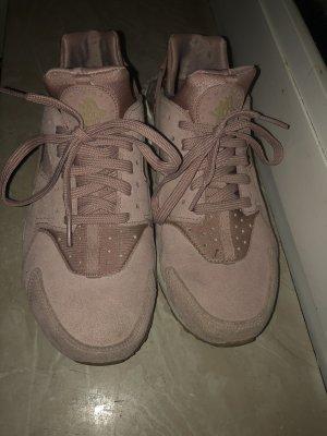 Nike Huarache in Rosa