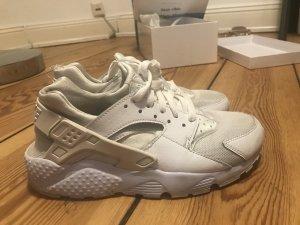 Nike Huarache in weiß