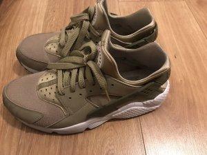 Nike huarache Khaki/Olive/weiß sneaker