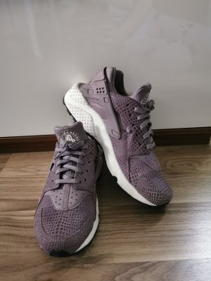 Nike huarache lila