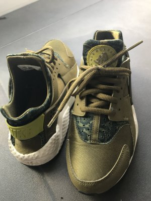 Nike Huarache Olive Green