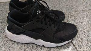 Nike Huarache schwarz weiß Gr. 39