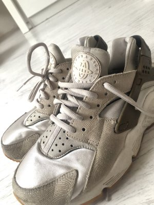 Nike Huarache Sneaker Beige Nude Brauntöne