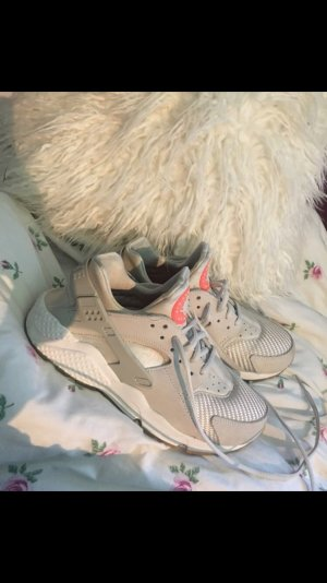 Nike huarache sneaker Light bone