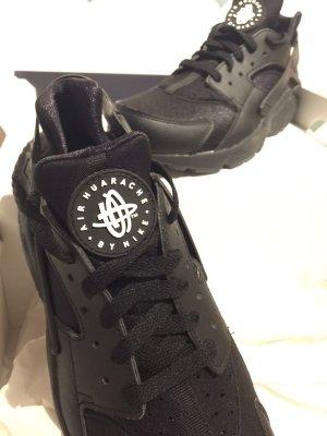 Nike Huaraches Air schwarz Gr. 41