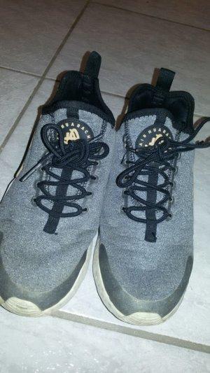 Nike Huarachie