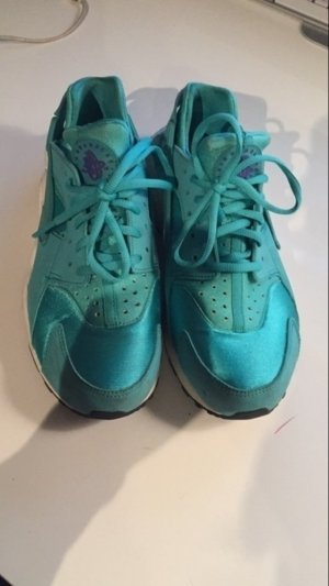 Nike Huarrache Sportschuh in Türkis