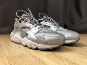 Nike hurarche