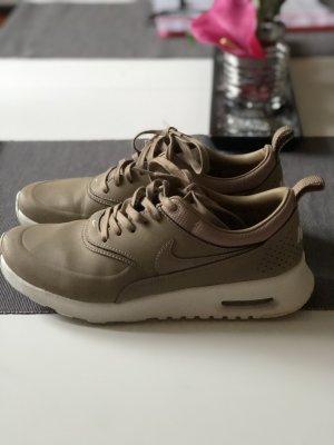 Nike in Beige