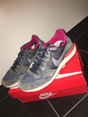 Nike International zu verkaufen