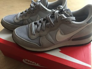 Nike Internationalist 38.5 Grau Hellgrau