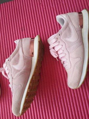 Nike Zapatilla brogue color rosa dorado