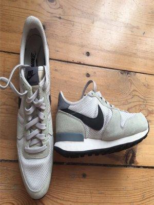 Nike Internationalist beige Größe 40