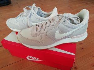 Nike Internationalist creme Gr. 38 neu!