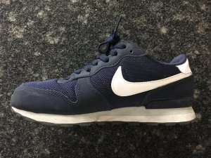 Nike Basket à lacet bleu