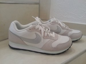 NIKE Internationalist Gr. 41 weiß