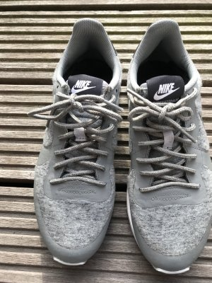 Nike Internationalist, grau, sweatstoff, Gr. 37,5