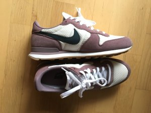 Nike Internationalist grey/armory 40,5