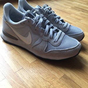 Nike Internationalist hellgrau Gr. 38,5