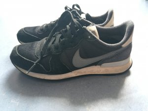 Nike Internationalist in Schwarz