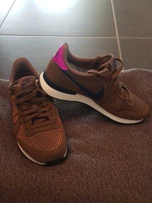 Nike Internationalist NEU UND UNGETRAGEN