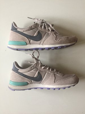 Nike Internationalist Taupe Grau