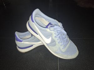 Nike internationalists