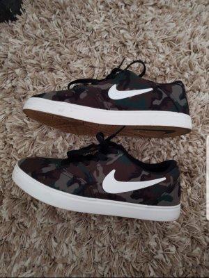 nike janoski Militär Army Sneaker Schuhe wie neu