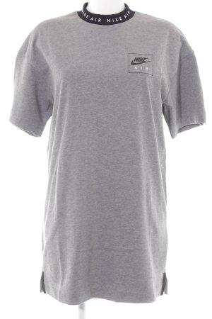 Nike Jerseykleid hellgrau-schwarz Schriftzug gedruckt Casual-Look
